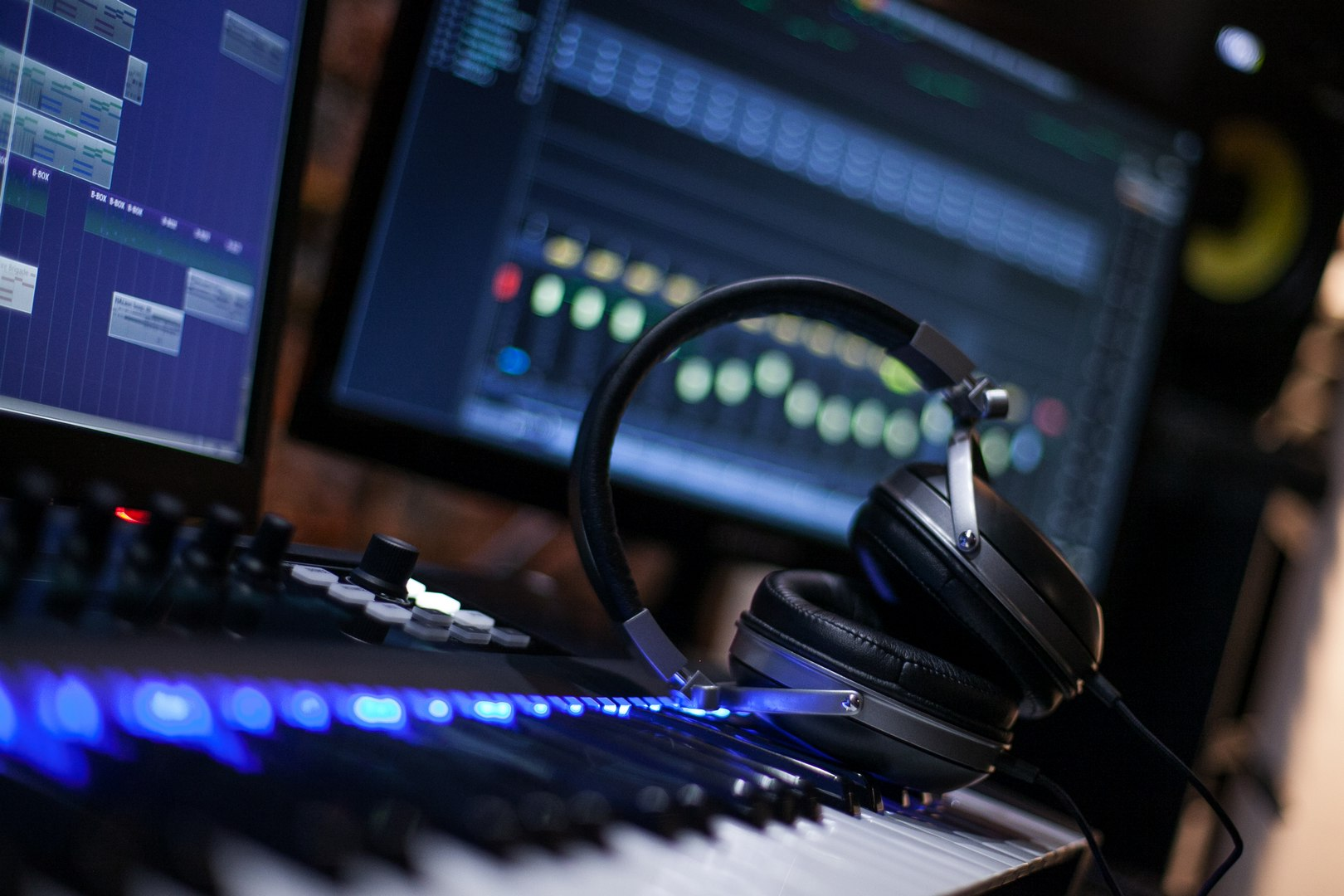 Editing a beat in Cubase with Komplete Kontrol S49